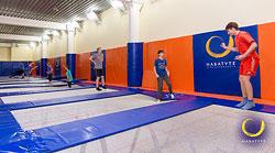 Прыжки на батуте дарят отличную физическую форму и во многом полезны в обычной жизни