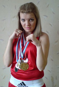 Клуб «Кислород» поздравляет победительницу турнира по Кикбоксингу