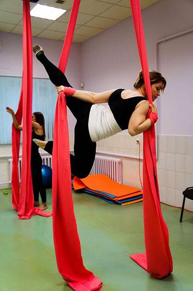 Воздушные полотна (Aerial Silks) в «ЕвроФитнес»!