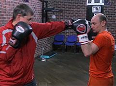 Уроки бокса. Простейшие защитные движения: подставка плеча, ладони, отбив, шаг назад