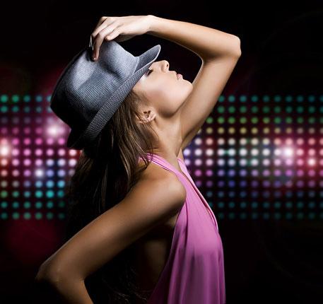 Открыта новая группа танцев Ladies Style (только для взрослых) в клубе «Квартал-спорт»!