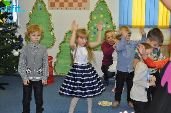Новогодняя Ёлка для малышей в клубе Sportown