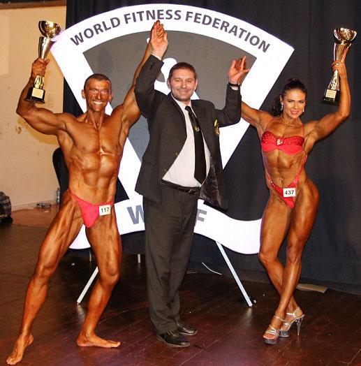 Помимо побед в своей категории, Михаил одержал победы и в категории «спортивные пары» вместе со Светланой Пугачевой — мнократной абсолютной чемпионка мира и Европы.