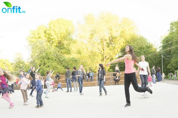 Тренировки с World Class в парках Москвы