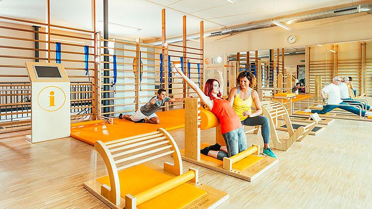 После интенсивной тренировки уделяется особое внимание растяжке спины, ног, рук и шеи.
