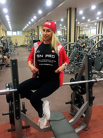 Юлия Ушакова – двукратная абсолютная чемпионка России, абсолютная чемпионка Европы и мира, победительница турнира Арнольд Классик.