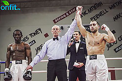 Сеть фитнес-клубов «Зебра» поздравляет персонального тренера по боксу, Капанжи Олега с очередной победой!