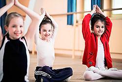 Занятия йогой для детей от 3 до 12 лет в фитнес-клубе «Атланта»!
