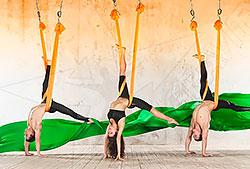 Приглашаем всех желающих на занятия — антигравити йога в фитнес-клубе «Атланта»!