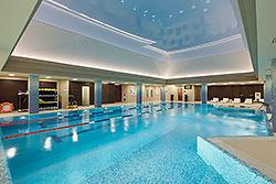Фитнес для всех. Портативный тренажерный зал в бассейне