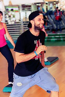 «Фитнес-центр 100%» возобновляет занятия в студии «Степ»!