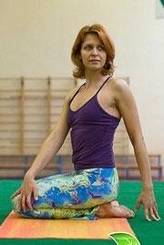 Светлана Шепель — к. п. н., руководитель направления фитнес-йога компании Fitness-Express, выпускница института йоги Аенгара, инструктор и персональный тренер клубов «Премьер Спорт», «Фитстудио», автор и ведущая видеопрограмм йога-фитнес .