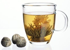 Зеленый чай способствует похудению, восстановлению суставов, оздоровлению печени, а также предотвращает раковые опухоли