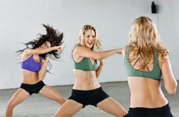А-бокс 0традиционные аэробные упражнения с элементами боевых искусств