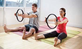 Пилатес – это особая система упражнений для укрепления мышц тела, улучшения гибкости и общего физического состояния организма.