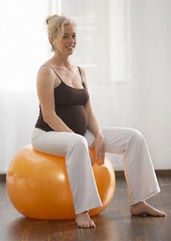 Гимнастика для беременных с фитболом