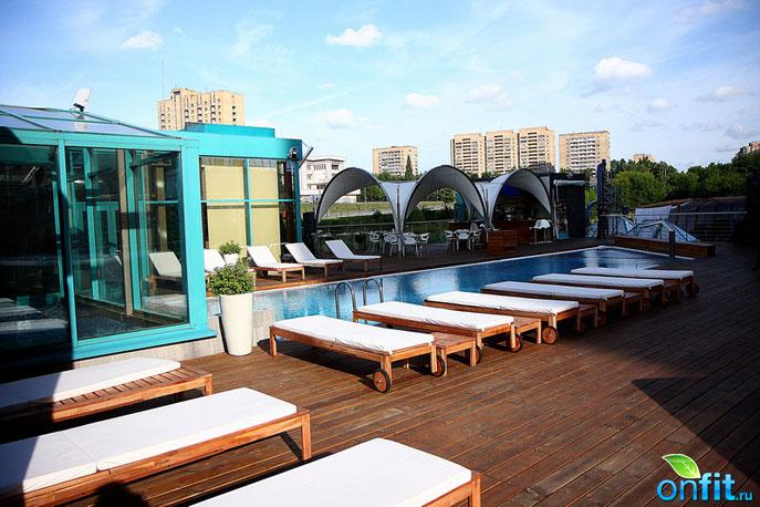 Sky Club - Miami Glam by Malinka Max